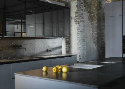 136_26_INTUO-Designküche-REFLEKTO